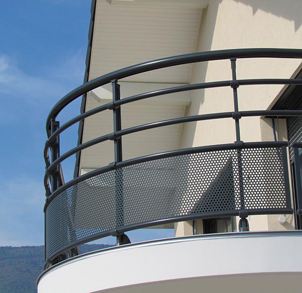 garde corps aluminium pour villa balustrade alu rambarde terrasses rampe escalier balcons. Black Bedroom Furniture Sets. Home Design Ideas