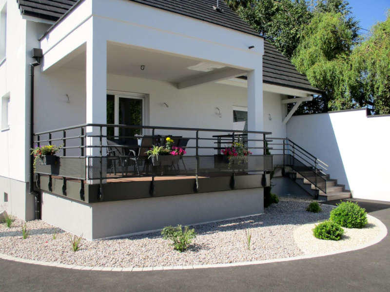 garde corps aluminium pour villa alu profil s ronds. Black Bedroom Furniture Sets. Home Design Ideas