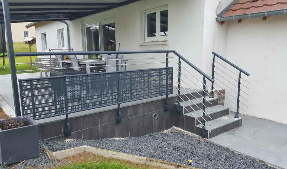 balustrade aluminium perforee